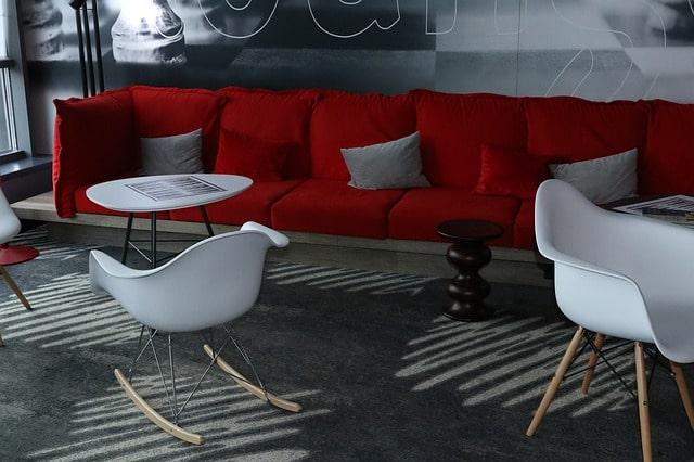 Ремонт мягкой мебели ХоРеКа-сменить обивку дивана